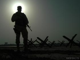 http://1.bp.blogspot.com/-x9nFCt1lHyw/TbjAhF_FONI/AAAAAAAAABs/hLslwKyQe5U/s1600/soldado.jpg