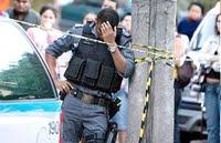 http://4.bp.blogspot.com/_0L20ptZ_7wQ/SprCpeuGnOI/AAAAAAAAAcM/wh_EvVAHcFY/s320/imagem+-+post+insatisfa%C3%A7%C3%A3o+desabafo+de+um+policial.jpg